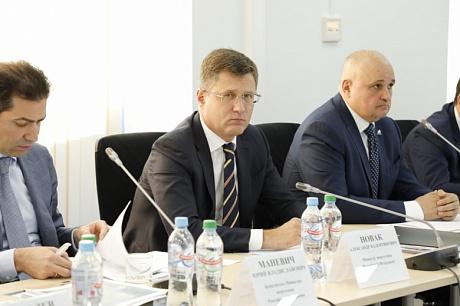По словам главы Минэнерго РФ Александра Новака, в теплоснабжение необходимо вкладывать «порядка 250-300 млрд рублей в год, именно в централизованное теплоснабжение, модернизацию сетей»